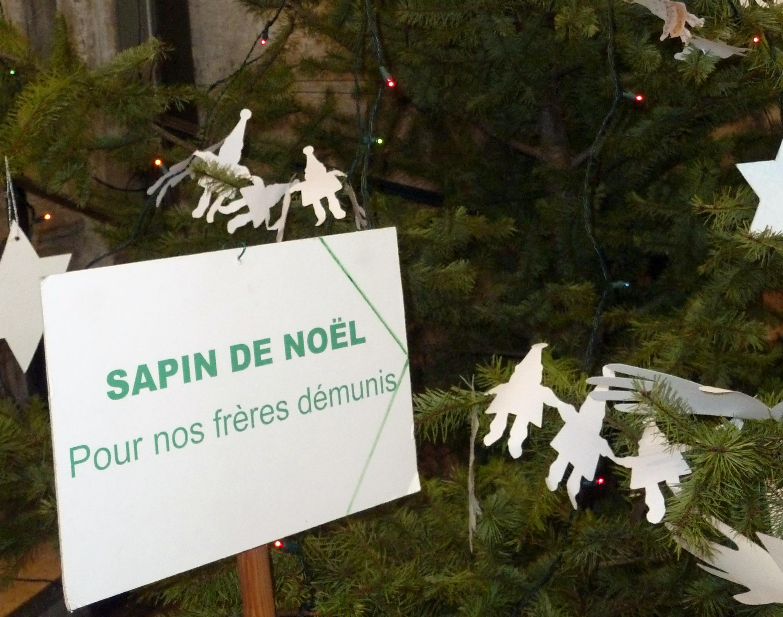 arbre de Noël solidaire 001