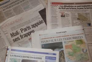 La France déclenche la guerre au Nord-Mali et collabore avec les États-Unis Intervention-militaire-française-au-Mali-unes-300x203