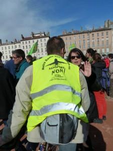Près de 1 500 personnes ont défilé entre Rh$one et Saône (© Pierre Nouvelle).