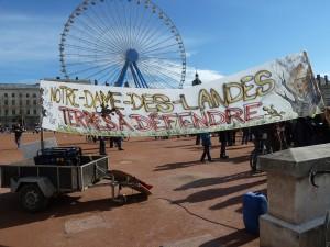 ALyon aussi, on a protesté contre l'implantation d'un aéroport à Nantes (© Pierre Nouvelle).