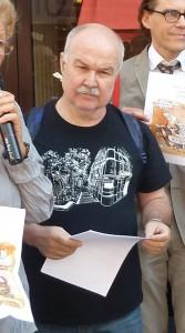 Par la voix de Paco Audije, les Fédérations européenne et internationale des journalistes ont apporté leur soutien aux journalistes français (© Laurent Villette).