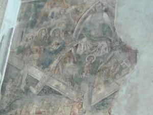 La proximité de l'Italie est présente dans les vestiges de fresques que recèle la cathédrale Notre-Dame-du-Bourg (© Pierre Nouvelle).