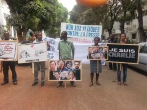 En Guinée, de nombreux journalistes sont entravés dans l'exercice quotidien de leur métier, voire même menacés de mort (© DR)?