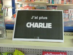 Du jamais vu. en quelques minutes Charlie s'est arraché à Ampuis comme partout en France (© Pierre Nouvelle).