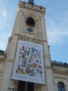 Sur toutes les lèvres, dans toutes les conversations, et sur le beffroi de l'Hôtel de ville : Charlie Hebdo et ses douze personnes assassinées (© Pierre Nouvelle).