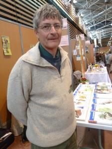 Jacques Mirenowicz, fondateur et rédacteur en chef du trimestriel franco-suisse la Revue durable est un journaliste atypique (© Pierre Nouvelle).