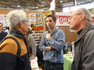 François Ruffin, rédacteur en chef de Fakir à la rencontre de ses lecteurs sur le 29e salon Primevère (© Pierre Nouvelle).