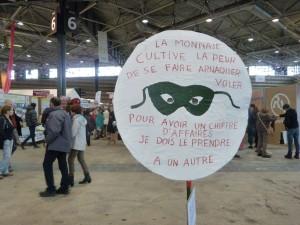 La monnaie, la dette, comment produite et consommer, autnt de questiona abordées lors du 29e salon-rencontres Primevère de l'alter-écologie (© Pierre Nouvelle).