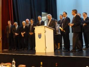 Après une journée sur le terrain en milieu agricole, le candidat UMP à l'élection régionale 2015 dans la région Rhône-Alpes/Auvergne a retrouvé ses amis élus locaux (© Pierre Nouvelle).