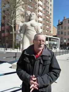Présent à la Croix-Rousse depuis sa plus tendre enfance, Robert Luc fait partager l'amour de son quartier à ceux qui le veulent (© Pierre Nouvelle).