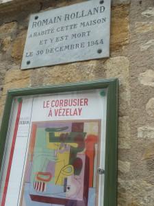 Apôtre de la paix Romain Rolland élit domicile en cette cité d'où est partie la 2e croisade (© Pierre Nouvelle).
