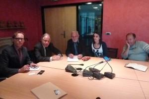 Autour de Noël maçre, les représentants syndicaux  des journalistes Gilles Pouzin (CFTC), Jean-François Cullafroz et Hakima Bounemoura (CFDT) et Jean Tortrat (CGT) (© Pierre Nouvelle).
