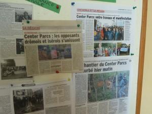 Adeptes de la défense des dignité humaine et du respect de la nature, certains membres de la communauté de l'Arche à st Antoine-L'Abbaye soutiennent les opposants au Parc Centers de Roybon (© Pierre Nouvelle).