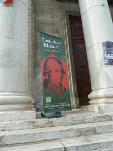 La 26e édition du festival Saoû chante Mozart s'est arrêté à Crest le 18 juillet pour donner en l'église St Sauveur Les Vêpres du confesseur (© Pierre Nouvelle).