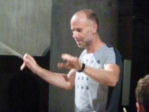 Pour Franck-Emmanuel Comte, conseiller artistique du festival Saoû chante Mozart, le rendez-vous annuel avec la Drôme est un moment important de son activité de chef d'orchestre (© Pierre Nouvelle).