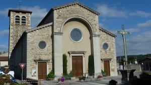 Office et visite du patrimoine supprimées en raison d'un essaim de guêpes à l'entrée de l'église d'Ampuis (© Pierre Nouvelle).
