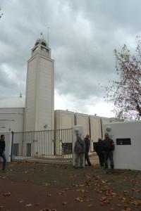 Depuis vint ans, la grande mosquée de Lyon est le point central de rassemblement des musulmans de Lyon  (© Pierre Nouvelle) .