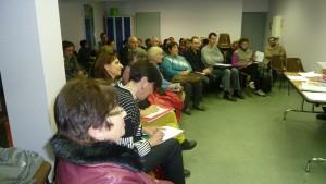 une quarantaine de participants lors d'une première réunion publique, plus de 300 signatures pour une pétition, la mobilisation est en route au sein de la population au sud du département du Rhône (© Pierre Nouvelle).
