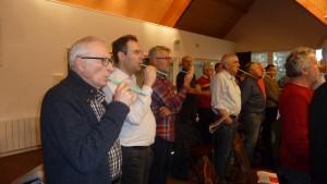 L'art de la paille pour former le souffle et affiner la voix est une des techniques pour l'homogénéité d'un chœur (© Pierre Nouvelle).