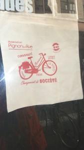 """""""Et si nous allions sur les chemins à bicyclette..;"""" ?(© Pierre Nouvelle)."""