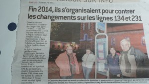 Au plus près du terrain, la presse locale comme le quotidien régionale Le Progrès, suit et commente l'avenir des Cars du Rhône (© Pierre Nouvelle).