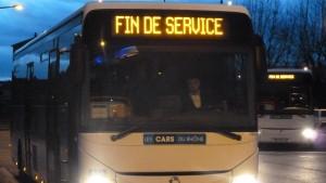 Lors de la réunion publique du 12 février, les participants étaient unanimes : pas de question de mettre un terme aux lignes des Cars du Rhône(© Pierre Nouvelle).