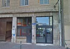 Haut-lieu militant, le 44 rue Saint-georges accueille la Maison des passages, où réflexion, rencontre et débat constituent la marque fondatrice (© DR).