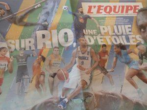 Les étoiles sont là parmi les 10 000 sportifs, et il y a eu aussi une pluie de dollars dans les escarcelles des grandes entreprises multinationales, au centre de la protestation des cariocas aux portes même du stade olympique Maracana (© Pierre Nouvelle).