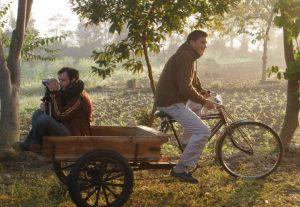 Deux amis partent à la découverte du monde avec un regard sur la nature qui alimente leur recherche de spiritualité (©DR).