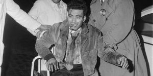 Un manifestant algérien, rescapé du massacre du 17 octobre 1961 (© DR/ Elie Kagan).