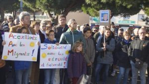 Comme le relate le quotidien Ouest-France, à St Brévin-les-Pins, un collectif d'habitants a manifesté sa voloné d'accueillir des étrangers ((© DR/Ouest France).