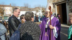 Des terres irakiennes de Mossoul à son diocèse de Lyon, ici à Ampuis (Rhône), le Primat des Gaules a le parler haut et relaie l'enseignement du pape (© Pierre Nouvelle).