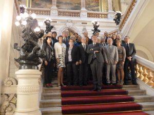 Le Conseil départemental du Rhône au complet avec ses deux nouveaux conseillers : (© Pierre Nouvelle).