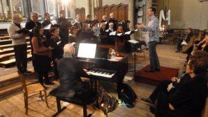 Lors d'une répétition en l'église autunoise Saint Jean, l'Ensemble Prana a préparé l'exécution de la Messe aux chapelles (© Pierre Nouvelle).