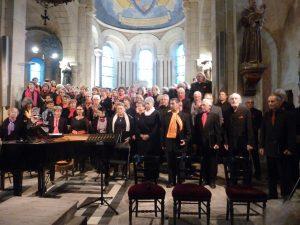 Après Autun en avril, c'est l'église St Loup de Saint-Honoré-les-bains qui a accueilli les Choeurs du Morvan pour l'interprétation de la Messe de la Sainte-Cécile (© Pierre Nouvelle).