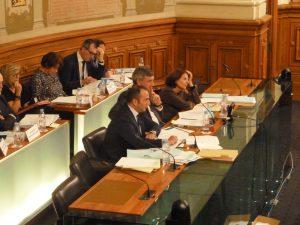 Sous la baguette du président guilloteau assisté de ses vice-présidents-e-s Renaud Pfeffer et Christiane Guicherd, l séance du 14 octobre a été rondement menée (© Pierre Nouvelle).