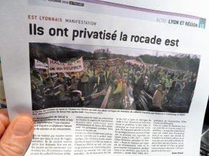 Le quotidien Le Progrès s'est fait l'écho dimanche 27 novembre 2016 de la manifestation qui a bloqué un moment la rocade Est appelée aussi A 46 sud (© Pierre Nouvelle).