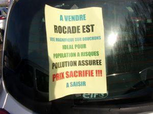 Environ 500 personnes, selon le quotidien Le Progrès, ont convergé vers Communay (Rhône) pour dire non aux projets autoroutiers © Cyril Mathey).