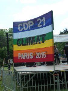 A Givors, au carrefour de plusieurs autoroutes, le mouvement Alternatiba avait fait halte au printemps 2015 et espérait beaucoup de la Cop 21 de décembre à Paris (© Pierre Nouvelle).