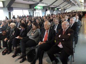 La salle des parieurs de l'hippodrome de Bron-Parilly était comble pour la cérémonie des voeux de la présidente du sytral. Elus locaux et décideurs économiques formaient l'essentiel de l'assistance (© Pierre Nouvelle).