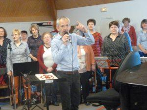 Dynamims et force intérieure ont porté les choristes et musiciens, comme ici lors d'un des week-end de répétition des Chœurs du Morvan à la maison du Beuvray (© Pierre Nouvelle).