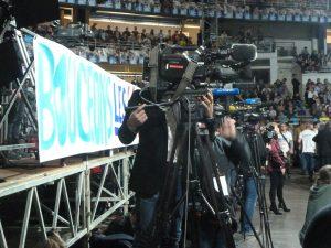 Avec la prise en mai de Canal =, I Télé et sa réaction inflexible à la grève des journalistes, a été clairement posée la question de la propriété des médias par des capitaines d'industrie (© Pierre Nouvelle).