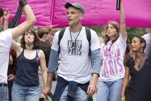 Le mouvement anti-Sida a mis du temps pour que les personnes gays et lesbiennes soient rejointes par d'autres couches de la population (©Celine Nieszawer_photo7).