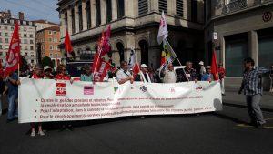Un peu plus e 1 500 personnes s'étaient mobilisées à l'appel de dix organisations de retraités à lyon, puisque la CFDt avait décidé de rejoindre ses neuf collègues (© Pierre Nouvelle).