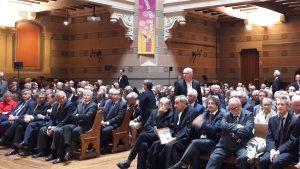 responsables religieux et civils ont suivi avec attention un office où la fraternité a été lue, dite, chantée et commentée  (© Pierre Nouvelle).
