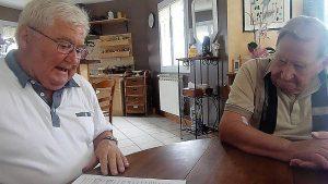 Le 8 août 2017, Jacky Cerdabn et Jean Auclère, deux ex-postiers CFDt s'étaient rendus cgez Luis Viannet pour évoquer leurs combats syndicaux communs (© Pierre Nouvelle).
