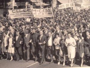 D-s 1967, dans la foulée de l'accord intervonfédéral CFDT-CGT, les grèves se sot multipliées comme à Lyon chez Berliet et à la Thodiaceta. (© Pierre Nouvelle).