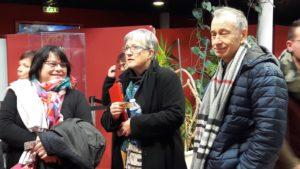 le public vient de plus en plus nombreux de toute la France pour d&couvrir des chfes d'oeuvre et manifestement des spectateurs au large sourire sont comblés (© Pierre Nouvelle).