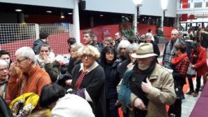 Malgré les queues aux portes des salles, c'est toujours avec fluidité que les spectateurs ont pu rejoindre leurs fauteuils (© Pierre Nouvelle).
