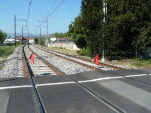 La voie SNCF rénovée entre Lyon et Serri-res (Ardèche) facilitera le passge de convois longs d'un kilom_tre et demi et souvent porteurs de produits dangereux (© Pierre Nouvelle).